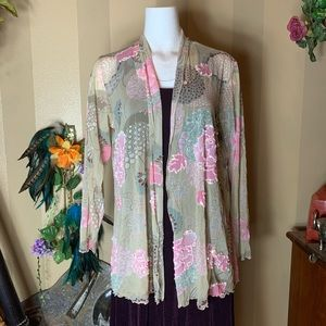 Tops - Tea green & pink bedazzled Asian inspired top
